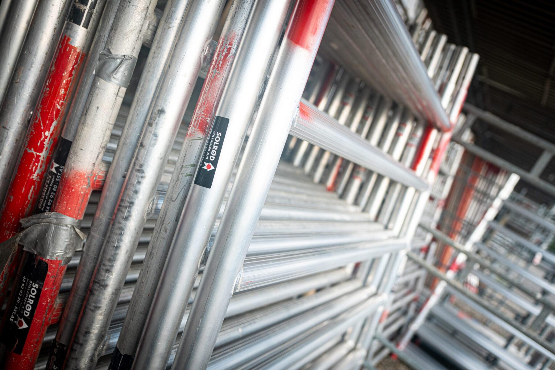 Opmagasinering af stilladsramme til rullestillads på Industriholmen 35, 2650 Hvidovre